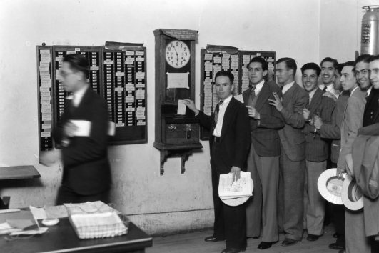 us__en_us__ibm100__ibm_founded__mexico_time_clock__900x600