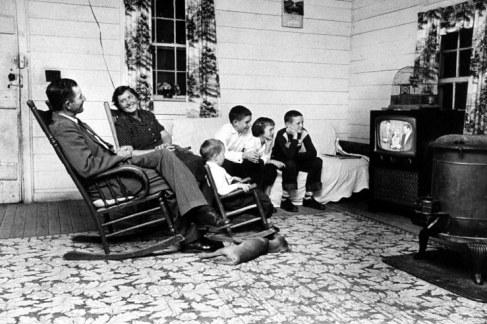 people-watching-tv-24