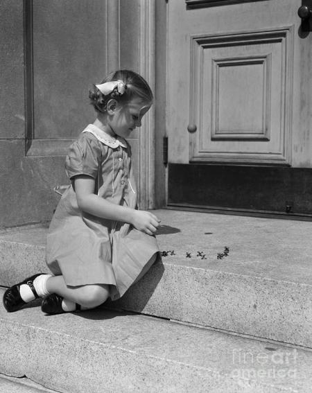 girl-playing-jacks-c1930-40s-h-armstrong-robertsclassicstock